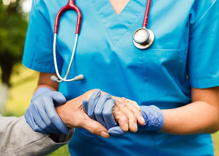 The Nursing Model vs The Medical Model: Which is Better?